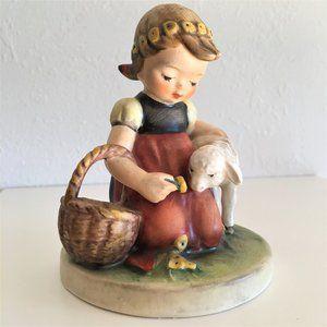 "GOEBEL * ""FAVORITE PET"" Figurine"